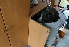 玄関収納扉修理のサムネイル