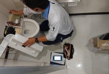 トイレのメンテナンスBefore