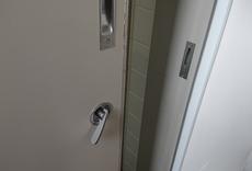 トイレの鍵取付After