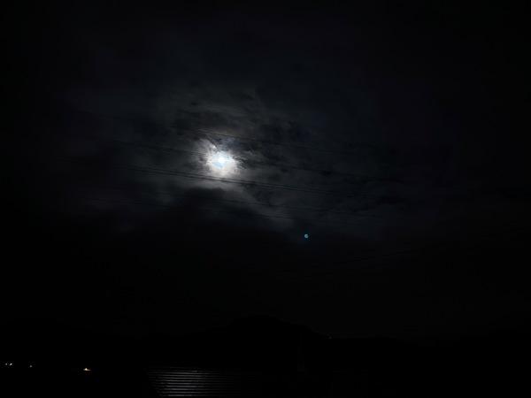 中秋の名月と雨